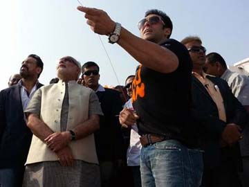 Salman visits Modi to celebrate the kite festival
