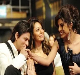 Top 16 Real Life Love Triangles of Bollywood - Shahrukh Khan - Priyanka Chopra - Gauri Khan