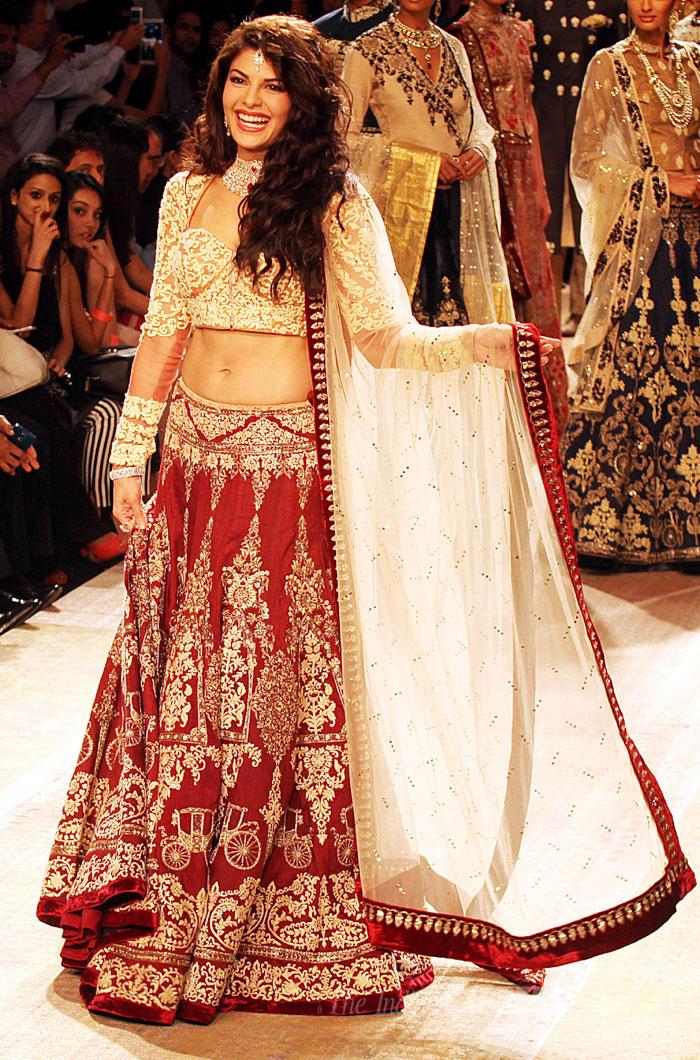 Jacqueline Fernandez turns showstopper for designer Anju Modi