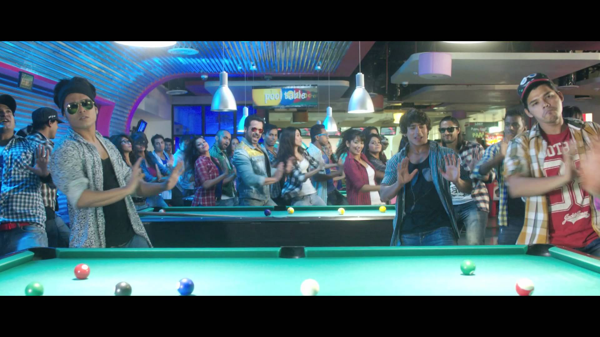 'Flip Your Collar Back' song  Raja Natwarlal | Official Video Song