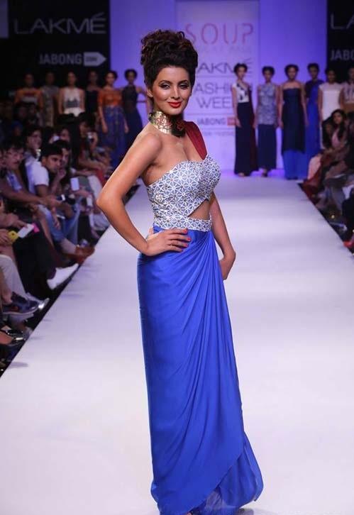 Geeta Basra walks for designer Sougat Paul