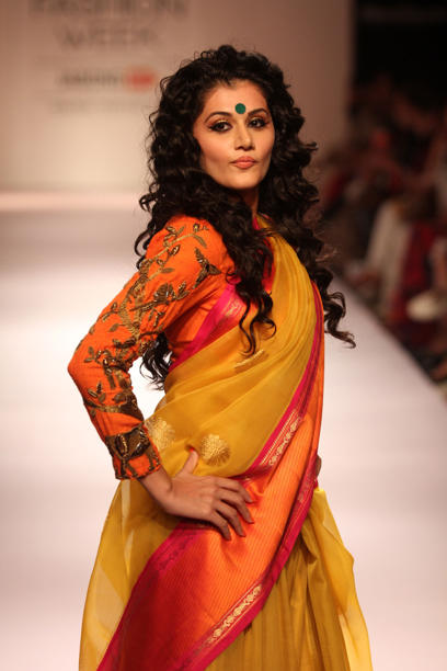 Taapse Pannu walks for designer Gaurang Shah at Lakme Fashion Week 2014