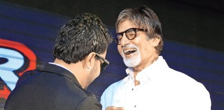Mika Singh gifts ring to Amitabh Bachchan