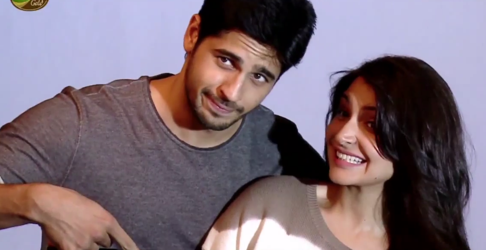 In GIFS : Anushka Sharma with Sidharth Malhotra in a Coffee Ad
