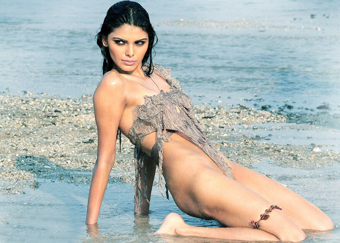 Top 10 Bikini Babes of Bollywood - Sherlyn Chopra