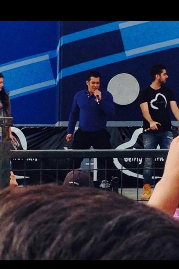 Salman Khan promotes Dr.Cabbie in Brampton, fans go crazy!