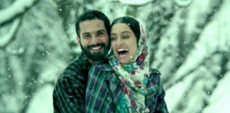 Shahid and Shraddha romance scene from Haider