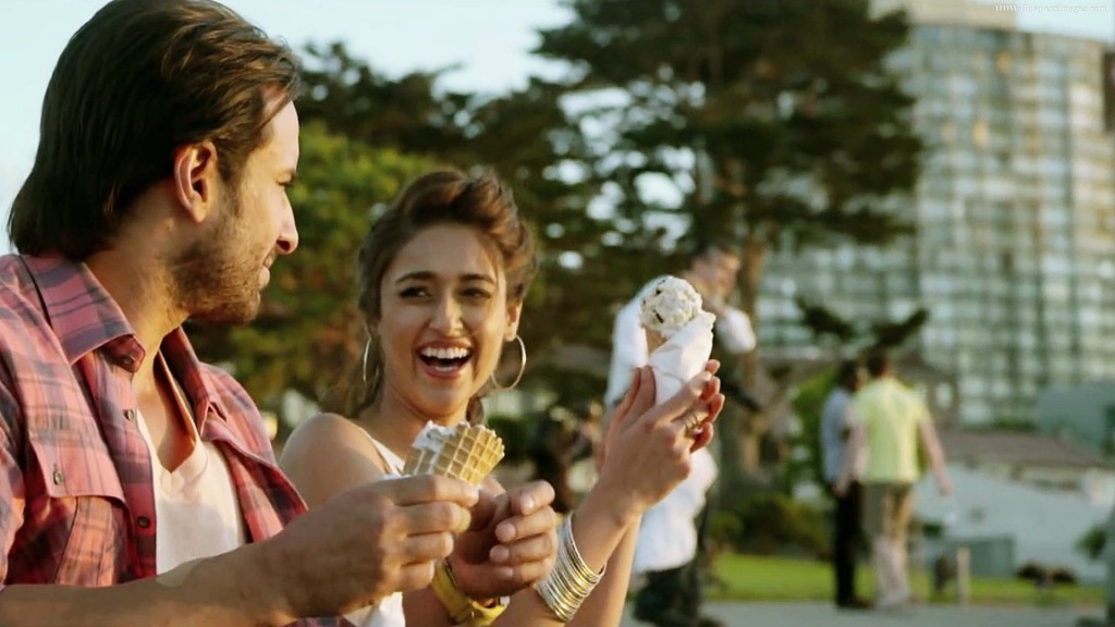 5 Reasons to watch Happy Ending - Saif and Illeana's refreshing chemistry