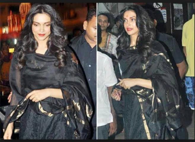 Deepika Padukone spotted at Siddhivinayak Temple