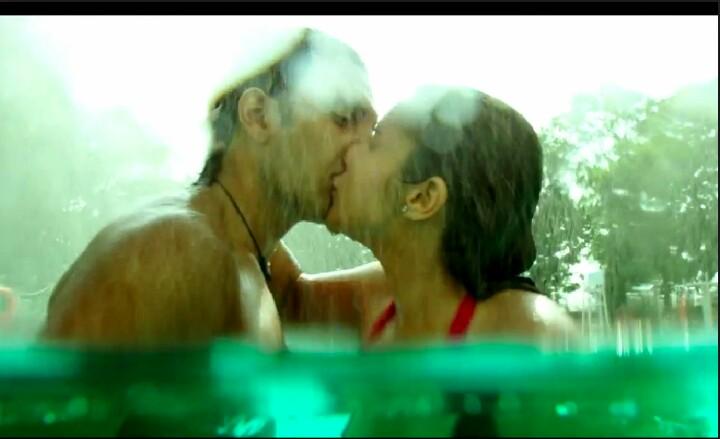 Kissing Scene in Kill Dil