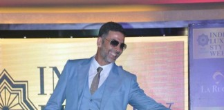Akshay Kumar's Classy Ramp Walk at the Indian Luxury Style Week