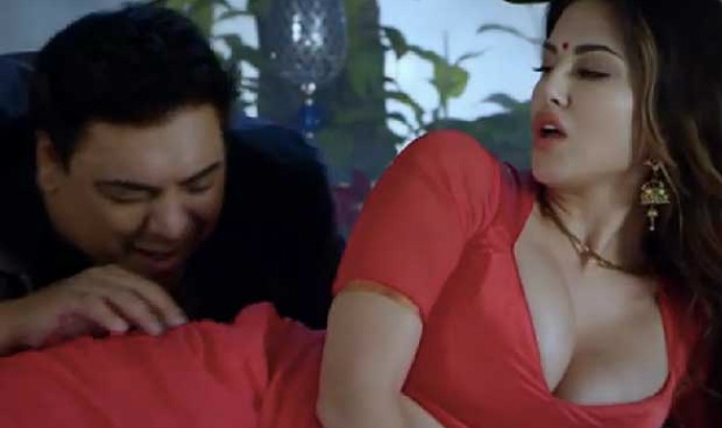 Sunny Leone and Ram Kapoor in Aao Naa Video Song