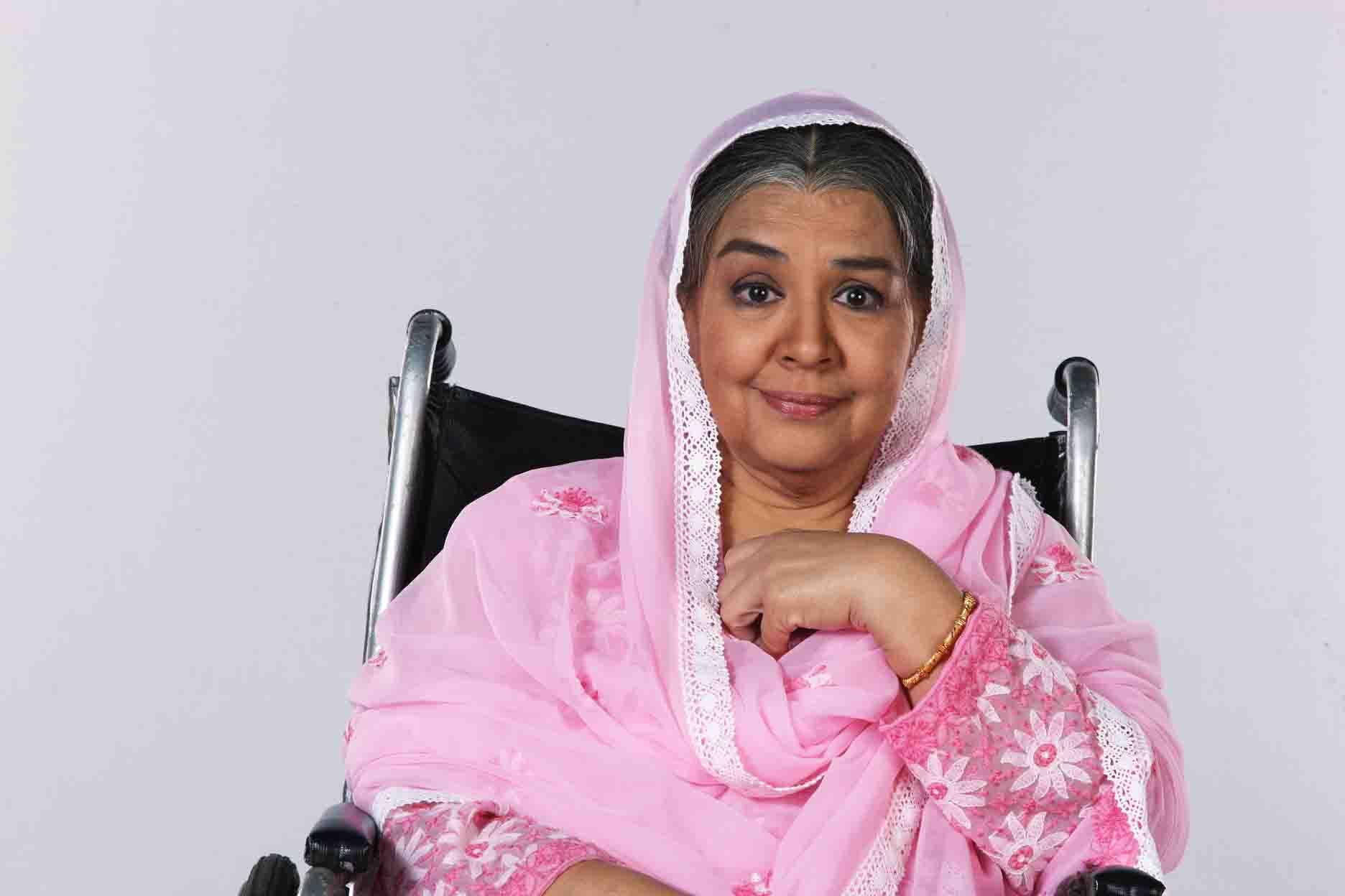 Top 10 Mothers of Bollywood on Mother's Day - Farida Jalal