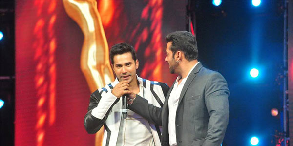 Varun and Salman Having Fun - AIBA Awards 2015 Photos
