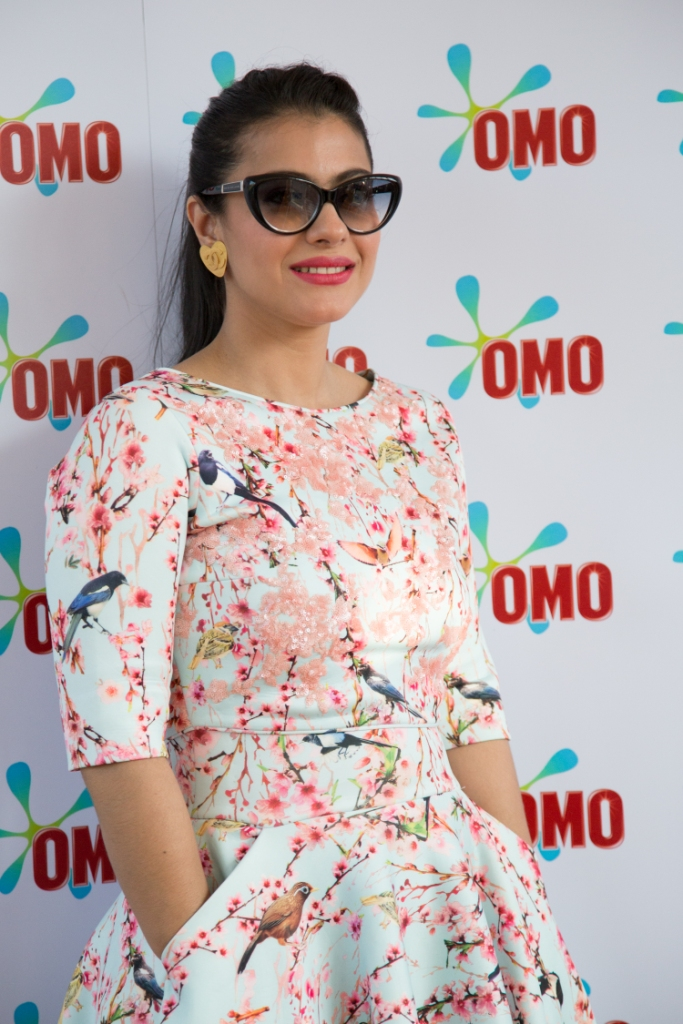 Kajol - Top 10 Super Sexy Moms of Bollywood and Their Fashion Sense