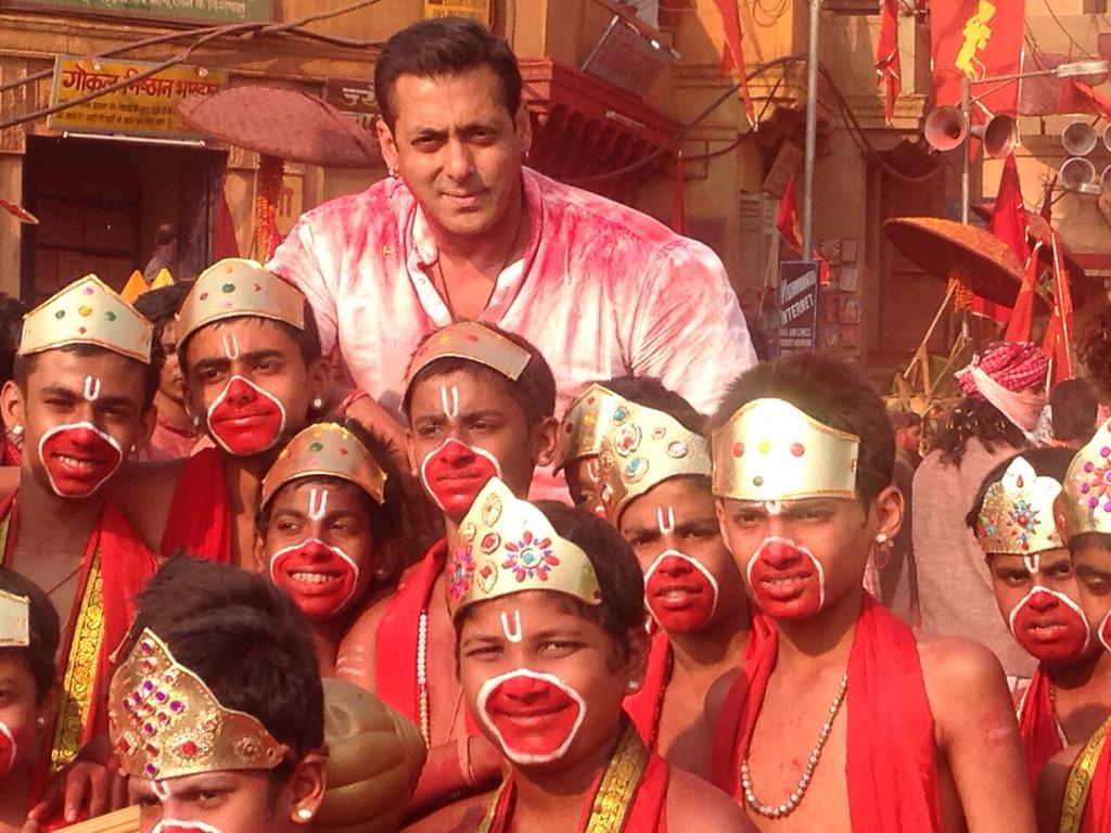Selfie Le Le Re Video Song - Bajrangi Bhaijaan   Official Video Song