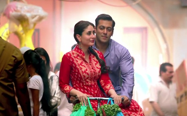 Salman and Kareena in Tu Chahiye Video Song - Bajrangi Bhaijaan