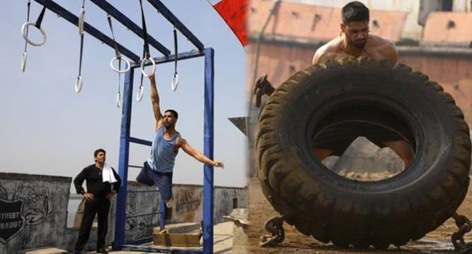 Akshay and Sidharth in Brothers Anthem Video Song