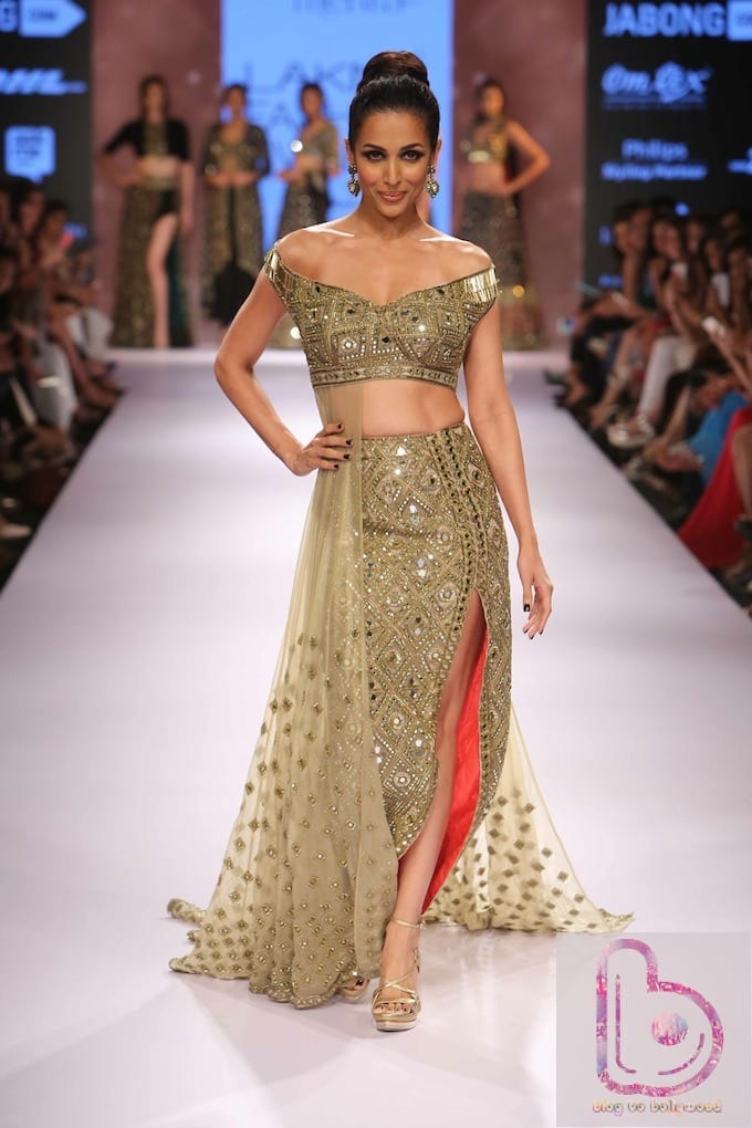 Which Actress rocked the ramp in Lakme Fashion Week?-Malaika