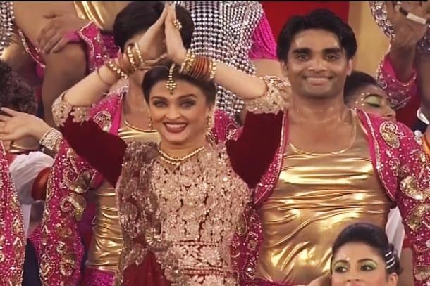Aishwarya Rai performing on Dola re Dola