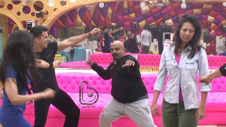 Bigg Boss 9 Day 3 Highlights : Short Highlights of Episode 3 - Members enjoying