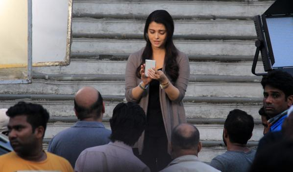 Jazbaa First Monday Box Office Collection: 4th Day Collection Report