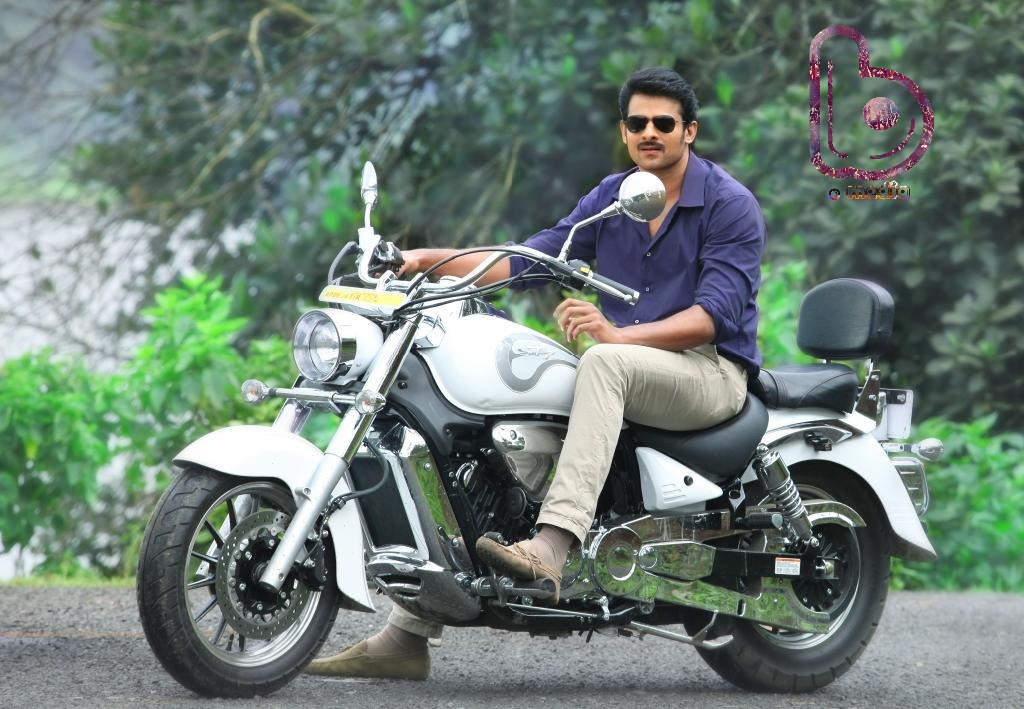 'Baahubali' Prabhas to be the main villain in Dhoom 4!!