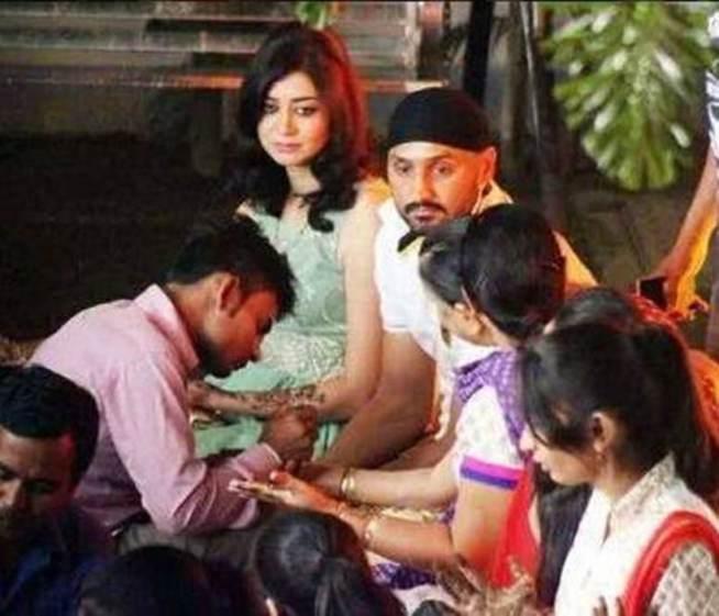 Adorable pics from Harbhajan Singh-Geeta Basra's Sangeet & Mehendi Ceremony!- Bhajji