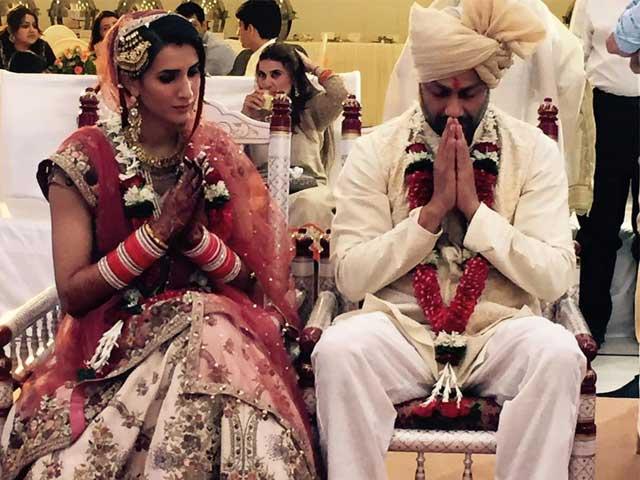 10 Celebrities who got married in 2015!-Abhishek