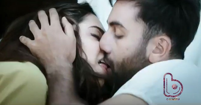 Why so much 'Tamasha' about Ranbir Kapoor & Deepika Padukone's lip lock?