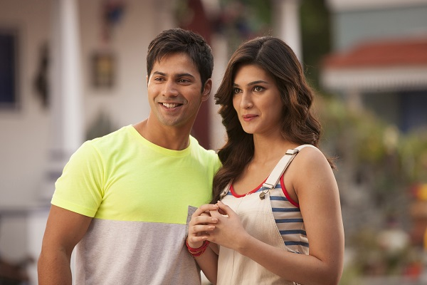 Which Actress makes the Hottest Jodi with Varun Dhawan?- Kriti-Varun