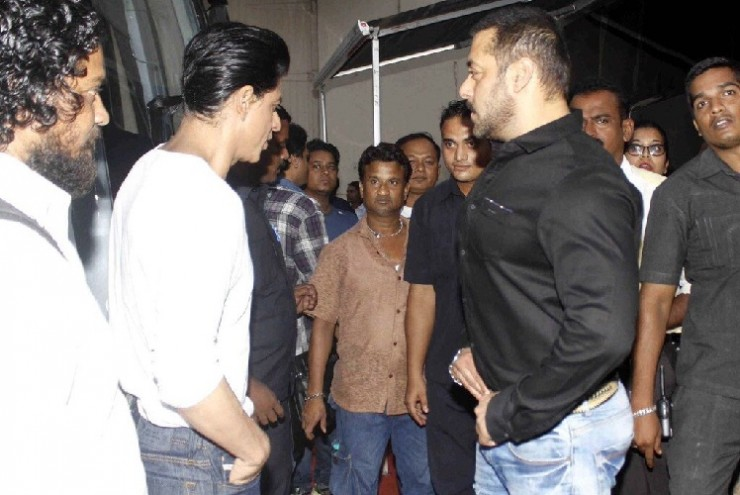 Shahrukh Khan and Salman Khan Shoot For Bigg Boss 9 - 4