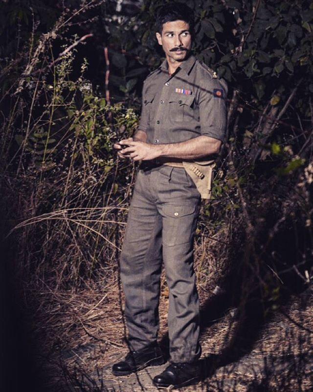 Shahid Kapoor's Rangoon Look Is Intense and Intriguing