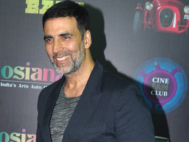 Akshay Kumar is overwhelmed with the response of his latest film 'Airlift'