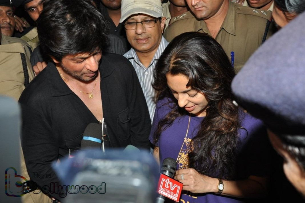 Juhi desires to work with SRK, didn't watched Dilwale