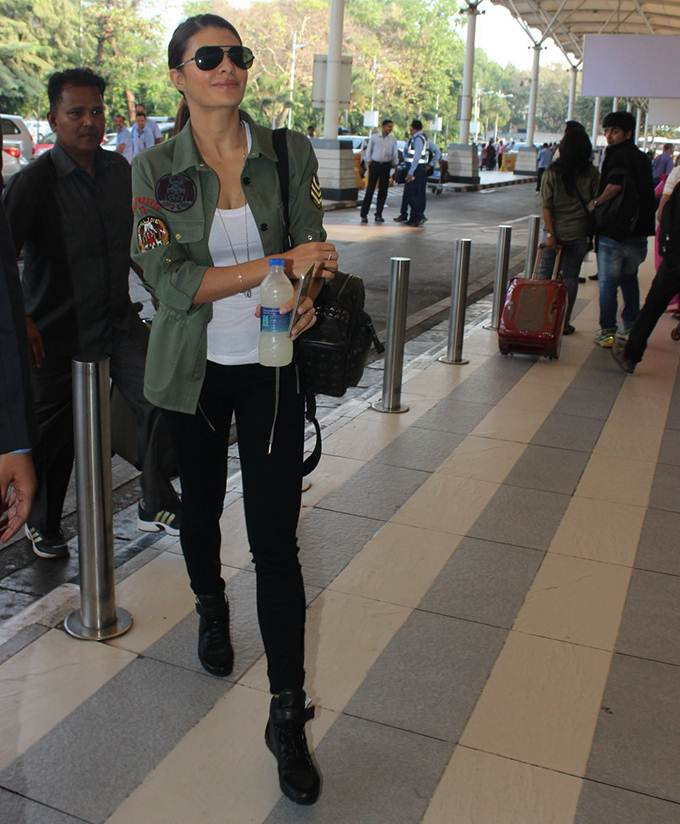 Airport Spotting | Get that Chic Look like our favourite Celebs for your next Journey- Jacky 1