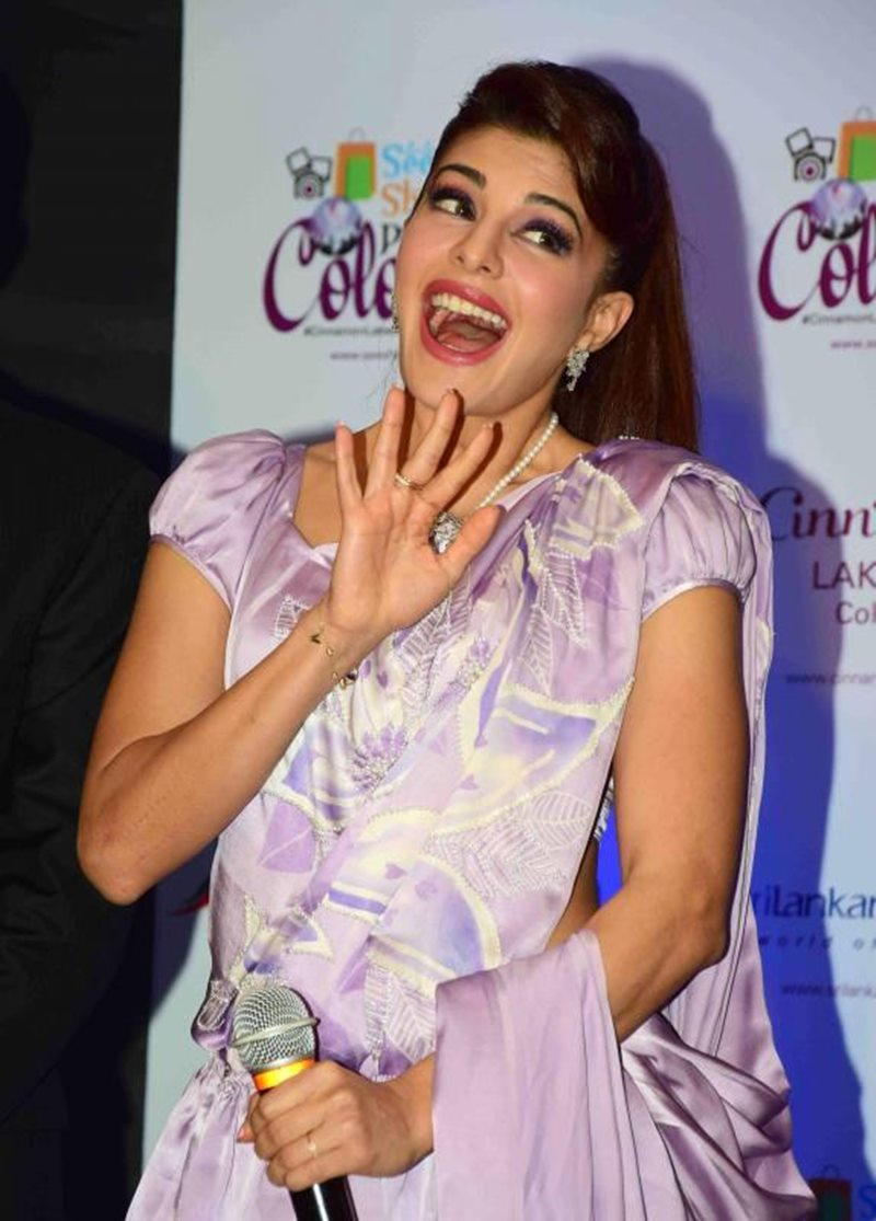 We did not expect this Fashion Blunder from Jacqueline Fernandez!- Jacky 5