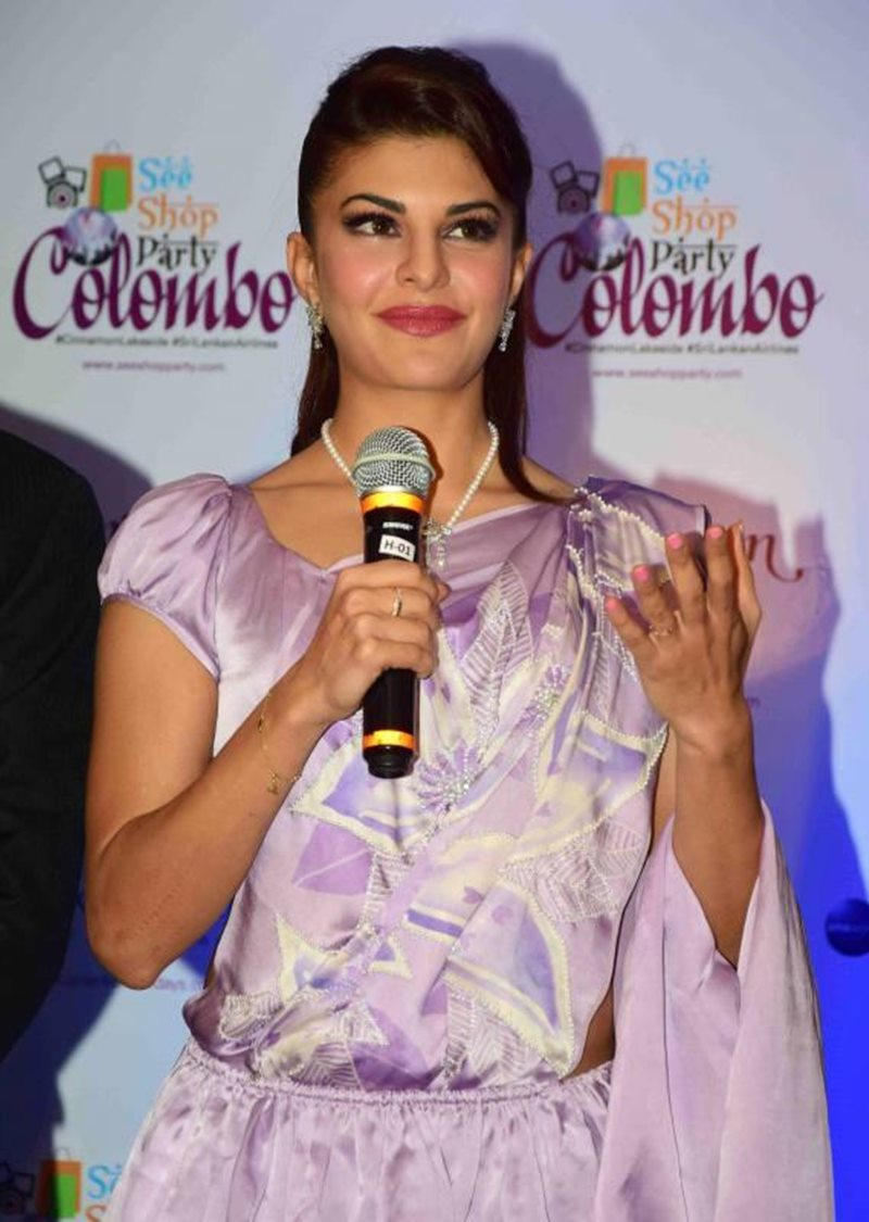 We did not expect this Fashion Blunder from Jacqueline Fernandez!- Jacky 7