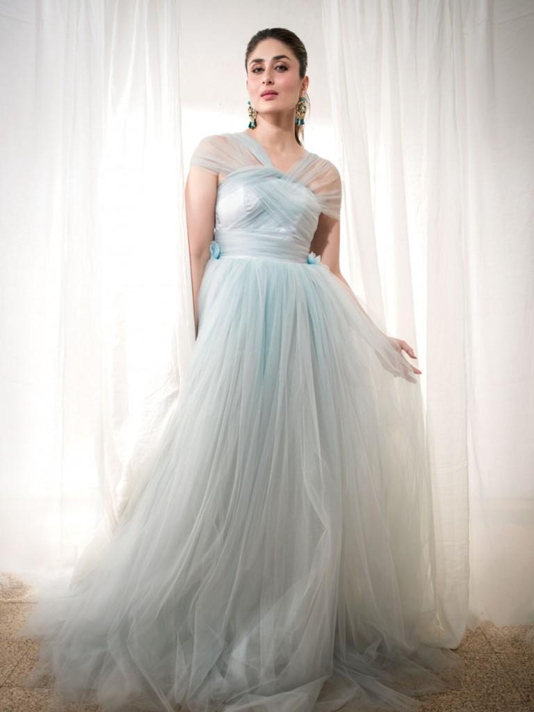 Kareena Kapoor Khan looks so fresh in Elle India February Issue Cover- Kareena 10