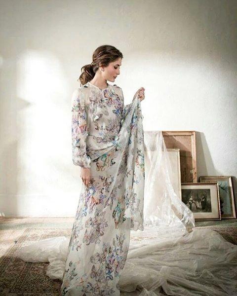 Kareena Kapoor Khan looks so fresh in Elle India February Issue Cover- Kareena 2