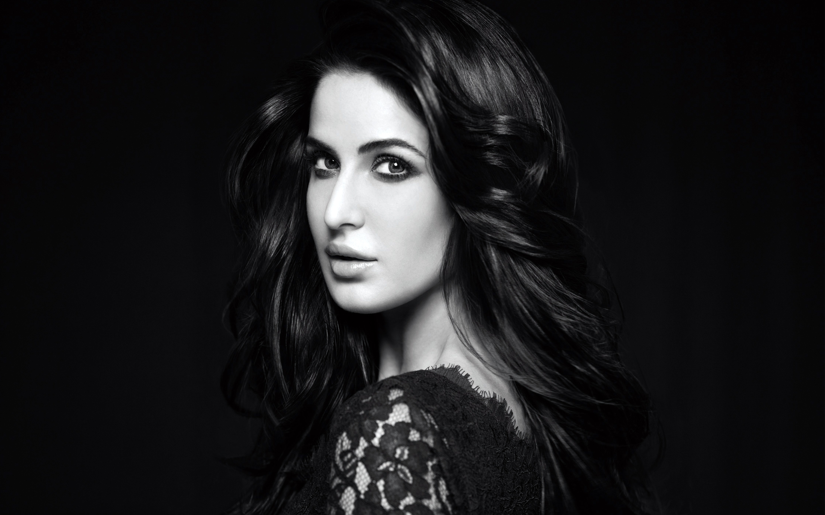 What Katrina Kaif wore for Fitoor Promotions will make you go NUMB!