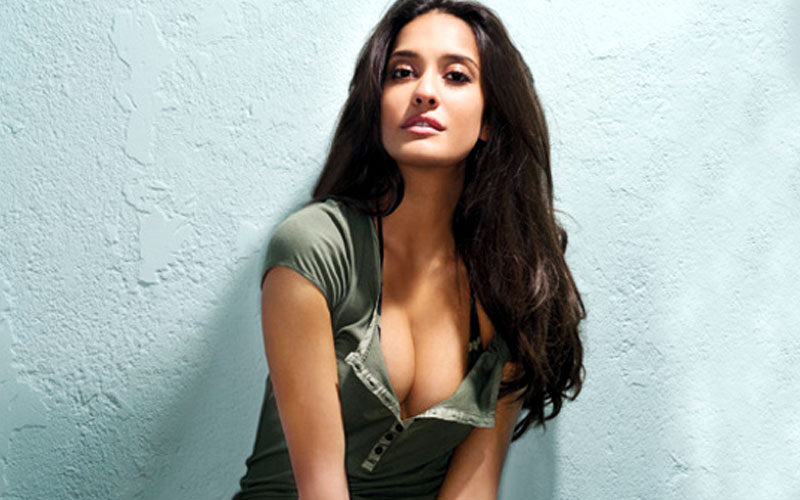 10 Hottest Pictures of Lisa Haydon that will set your hearts racing