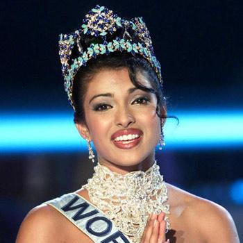 Achievements of Priyanka Chopra - Priyanka Chopra as Miss world 2000
