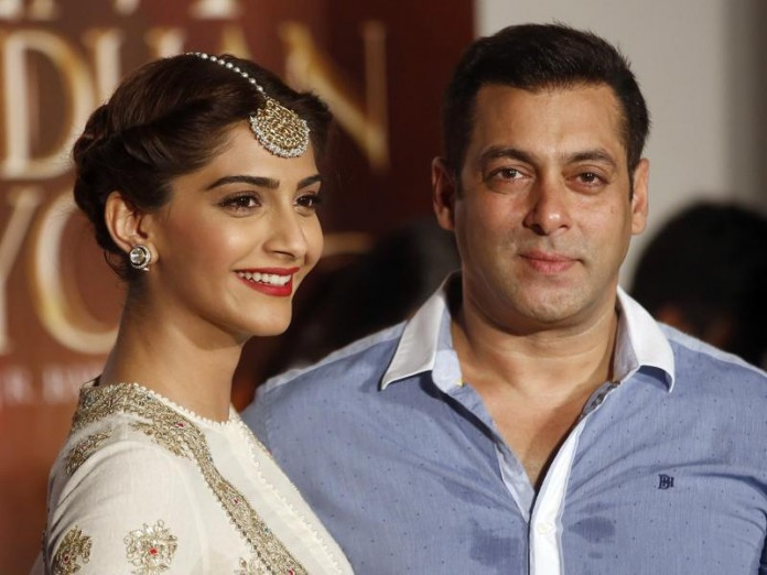 Salman Khan is my favorite co-star, he's 'bloody hot': Sonam Kapoor