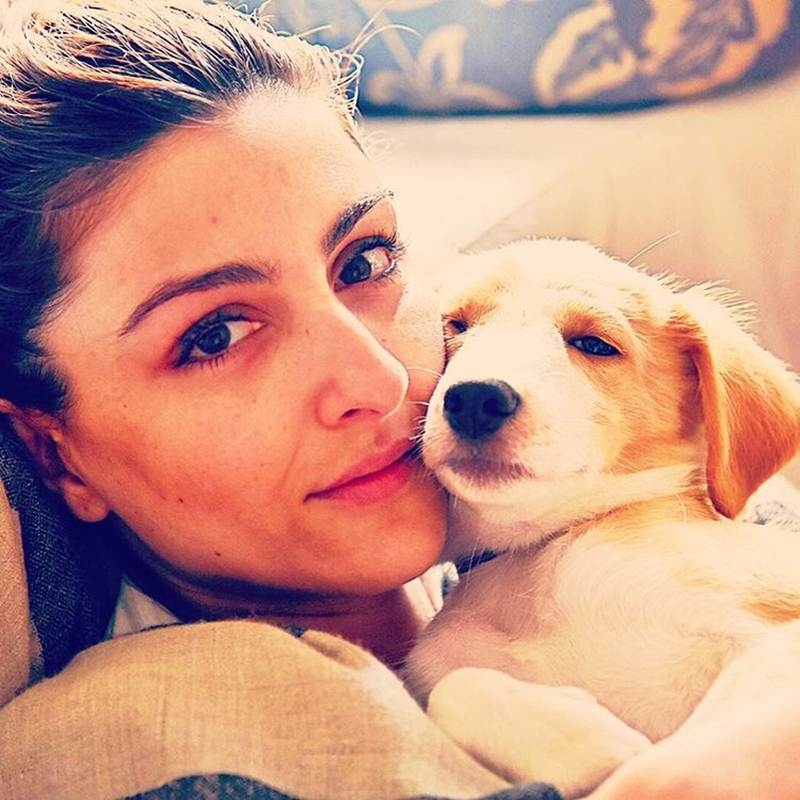 These Celeb Pet Selfies are so cute they will melt your heart right out!- Soha 2