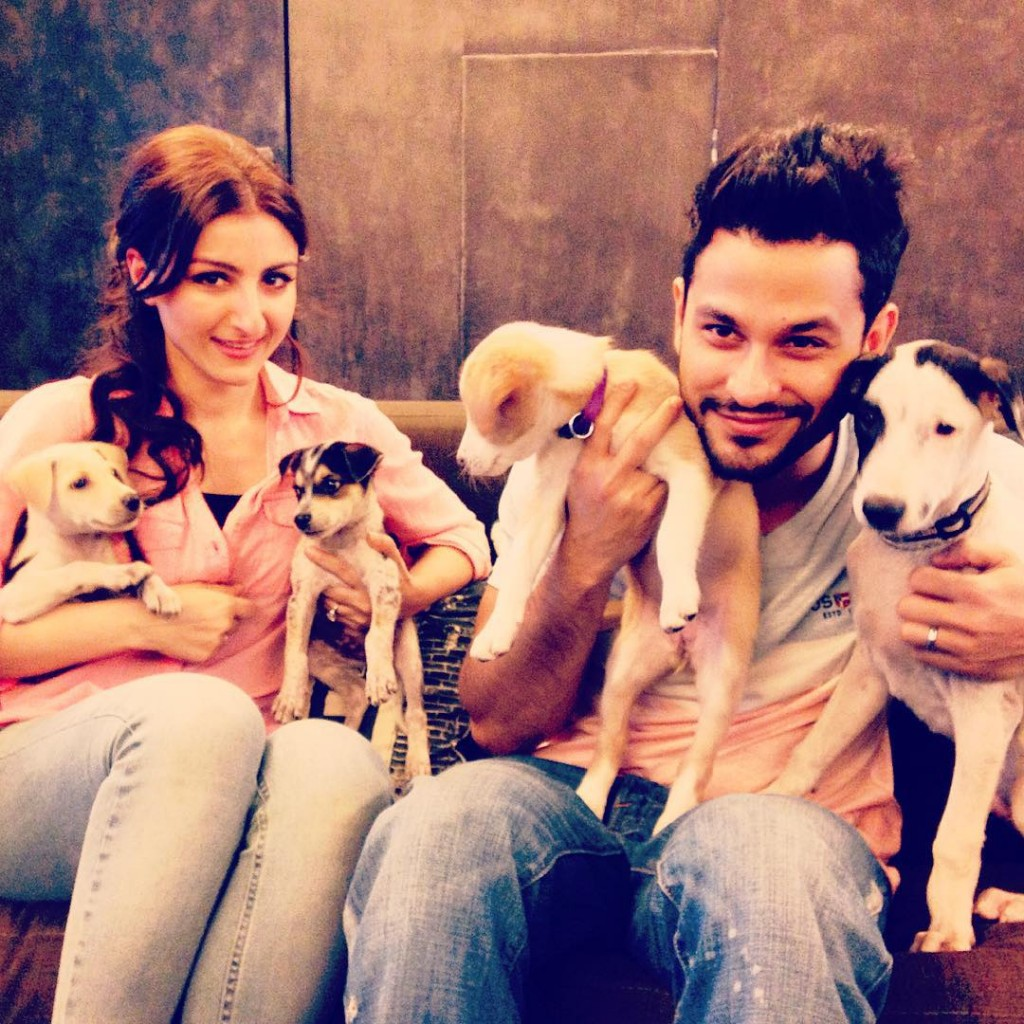 These Celeb Pet Selfies are so cute they will melt your heart right out!- Soha 3