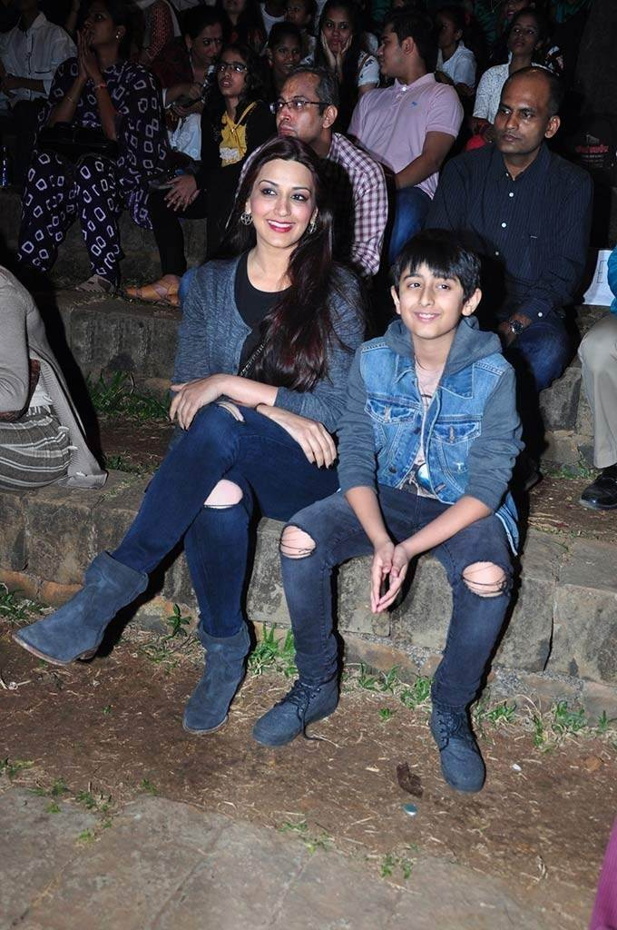 Sonali Bendre and her son 5