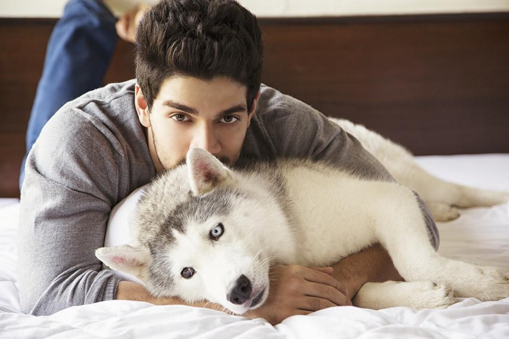 These Celeb Pet Selfies are so cute they will melt your heart right out!- Sooraj 2