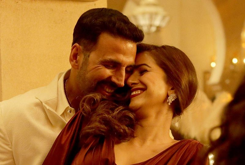 5 Proofs why Akshay Kumar is the Most Versatile Actor of Bollywood- Akki is an ultimate romantic guy
