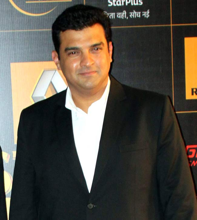 Sidharth Roy Kapoor is very happy with the way Jagga Jasoos is progressing